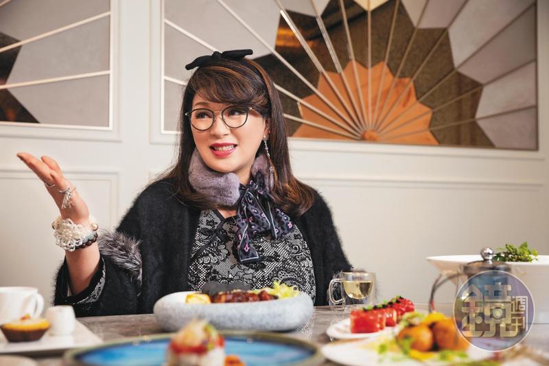 顏瓊姿不甘願只當個少奶奶,在台北砸重金開中餐館。