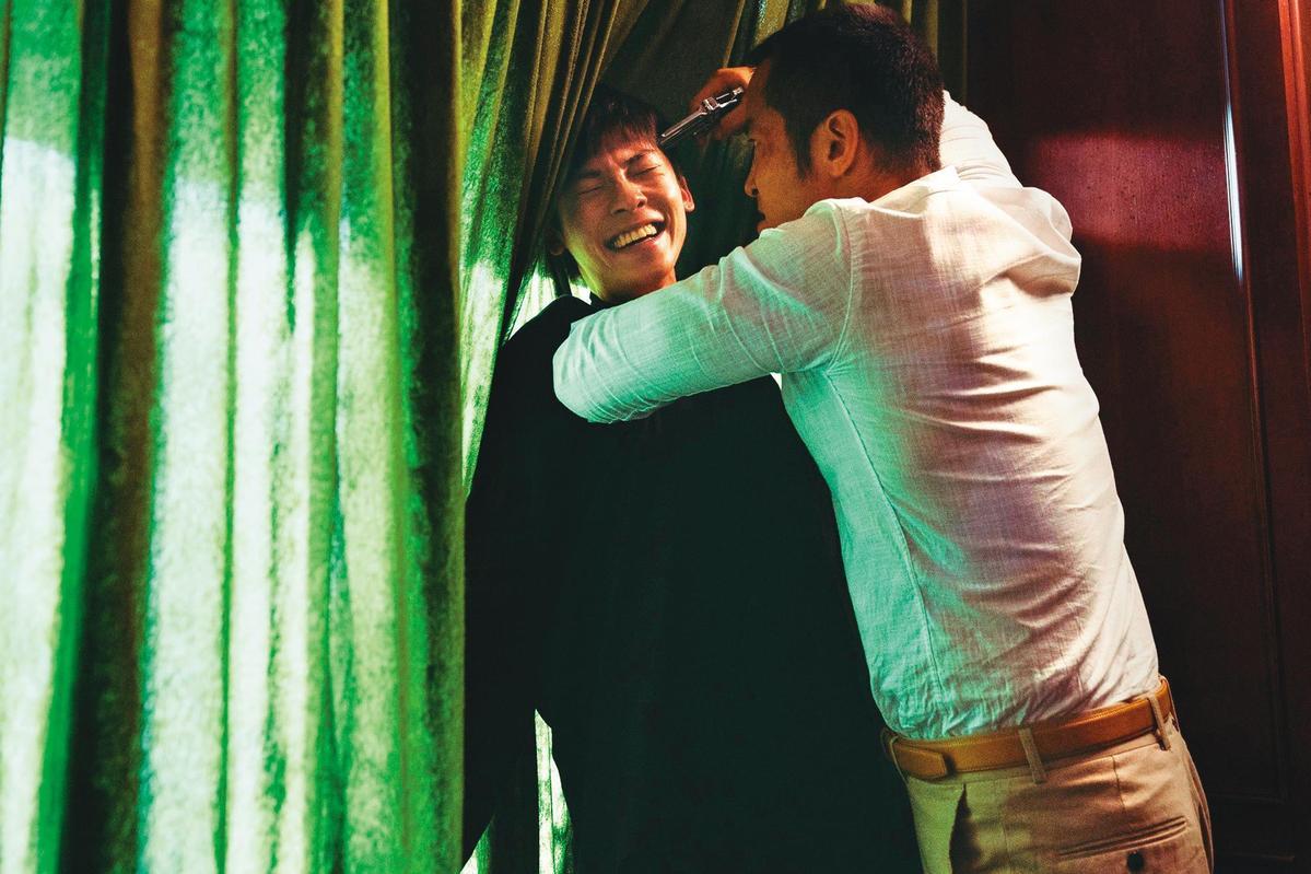 不同於《想見你》的痴情,許光漢(左)在《罪夢者》卻扮演前後反差超大的大魔王,張孝全(右)對他更是恨到牙癢癢。