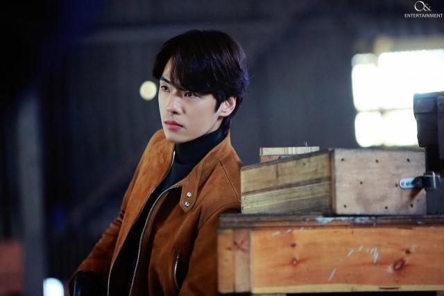 金正鉉在演出《愛的迫降》前,曾因態度爭議沉寂一年多。(翻攝自Naver)