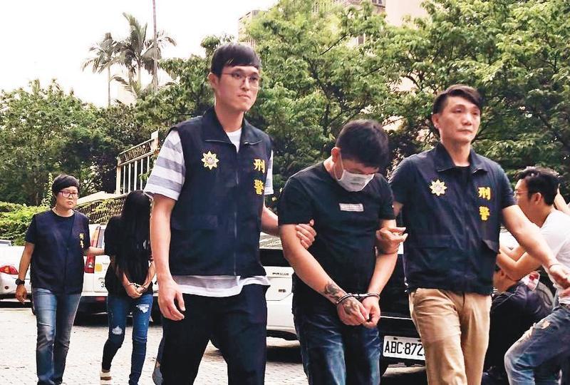 刑事局逮捕涉嫌走私109支槍械的弘仁會分子,主嫌遭求處無期徒刑。(翻攝畫面)