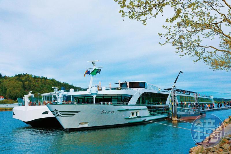 河輪因為噸位小,乘客人數少,因此登船流程快速,幾分鐘就能直奔客房。