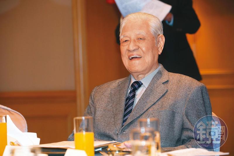 前總統李登輝的一生,見證台灣近代變遷。照片為2016年11月他出席公開活動時的身影。