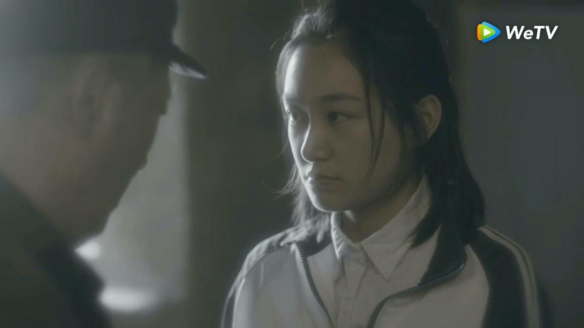 孫儷同父異母的妹妹孫艷在《安家》演出她少女時期。(圖/WeTV提供)