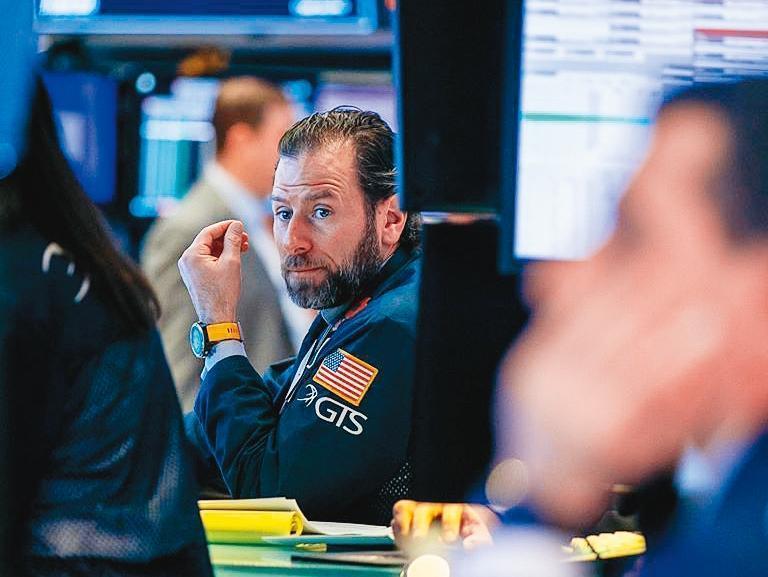 上週美股大崩跌,包括道瓊和標普500指數跌幅都超過10%,為海嘯以來單週最慘表現。(翻攝自紐約證交所臉書)