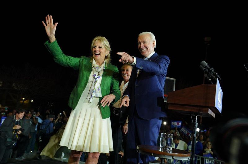 拜登的妻子吉爾陪同他一同出席選舉造勢活動。(網路截圖:facebook/Joe Biden)