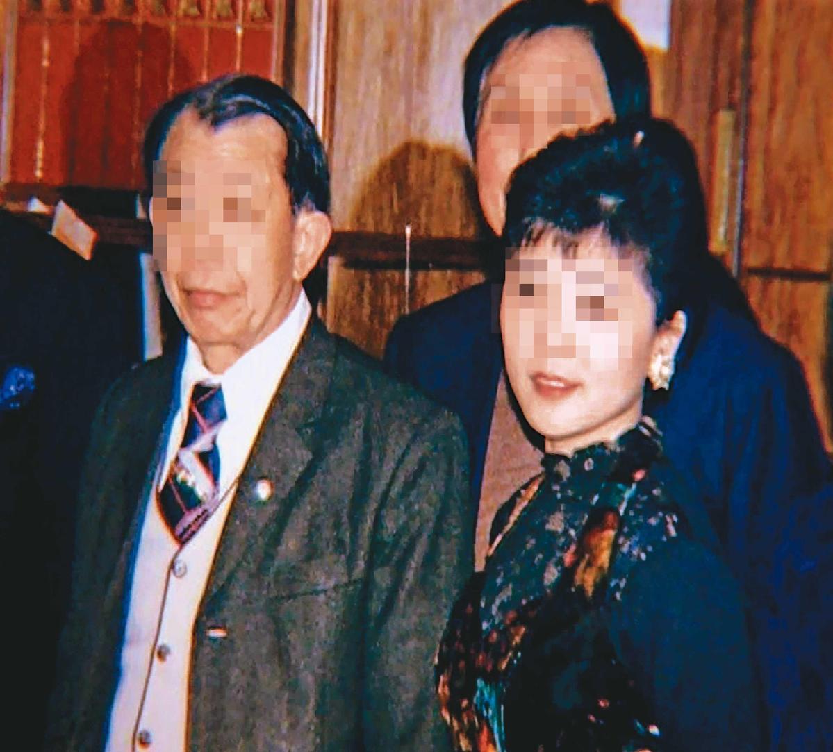 張靜華(右)與家人感情很好,突然音訊全無,家人十分擔心。(東森新聞提供)