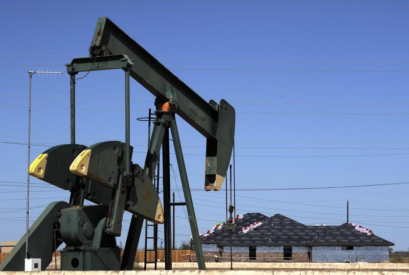 美國頁岩油公司因油價暴跌,面臨經營和財務雙重危機。(達志影像)