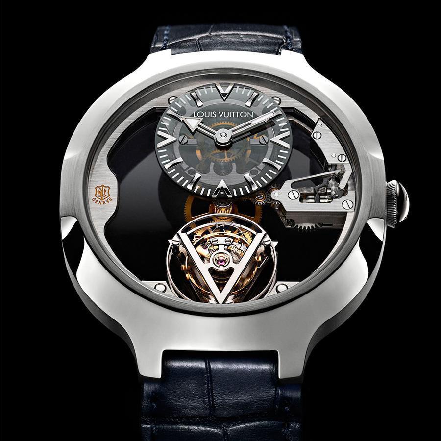 Gravity Tourbillon飛行陀飛輪是LV第一枚搭載日內瓦印記認證機芯的錶款,一鳴驚人宣告技術力的展現。