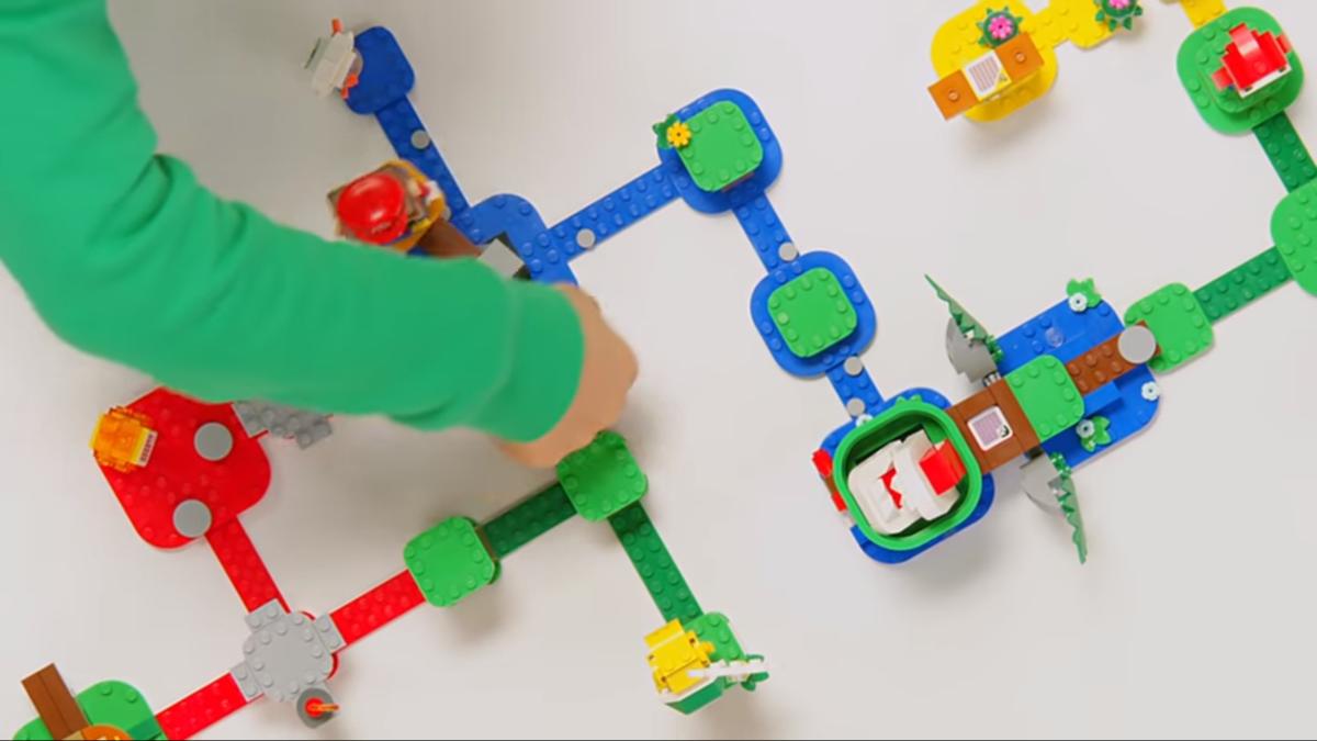 遊戲關卡可以自行設計組合,其中還有一些互動的元素。(翻攝自Nintendo YouTube頻道)