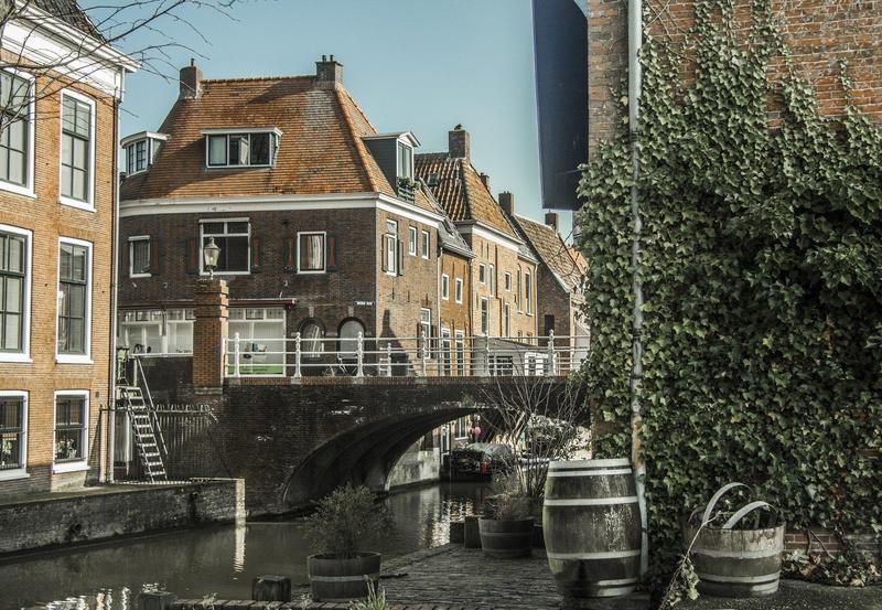 由於疫情持續在歐洲肆虐,荷蘭也宣布「全國封鎖」。(pixabay提供)