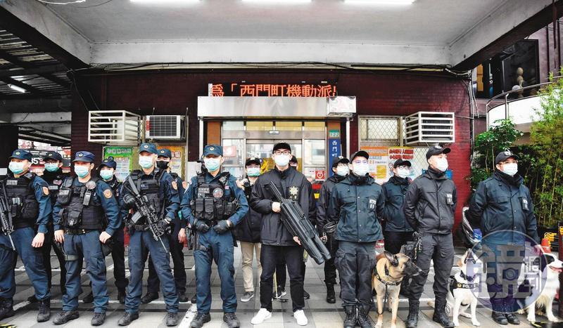 全台7萬警察大軍,目前已全面投入防疫工作。(翻攝台北波麗士IG)