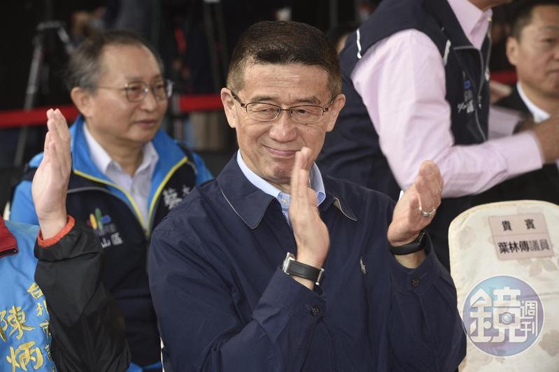 台北市資深議員王浩出身媒體,曾當過主播。