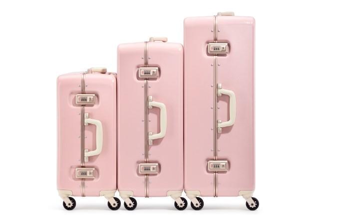 粉色系的行李箱最適合擁有少女心的你。(ACE BAGS & LUGGAGE提供)