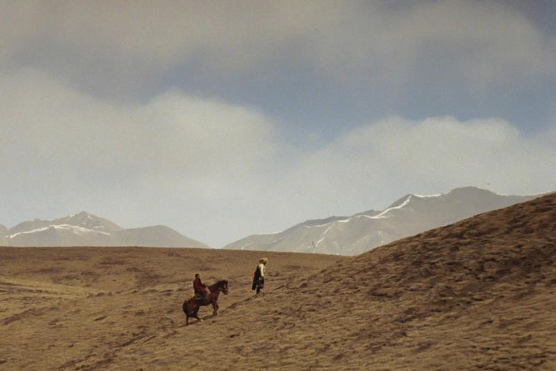 萬瑪才旦的第一部劇情長片《靜靜的嘛呢石》松太加當攝影、德格才讓是錄音。(萬瑪才旦提供)