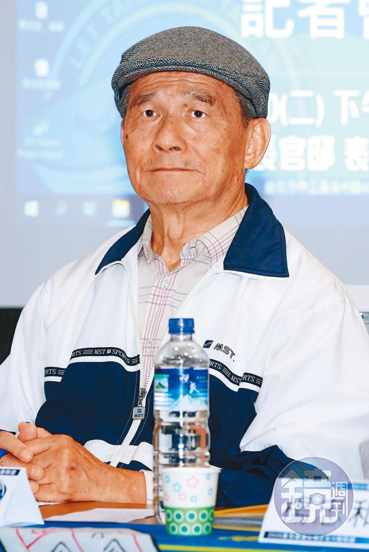 時任國防部長的蔡明憲(圖)面對鄭麗文質詢,下令依法嚴辦。