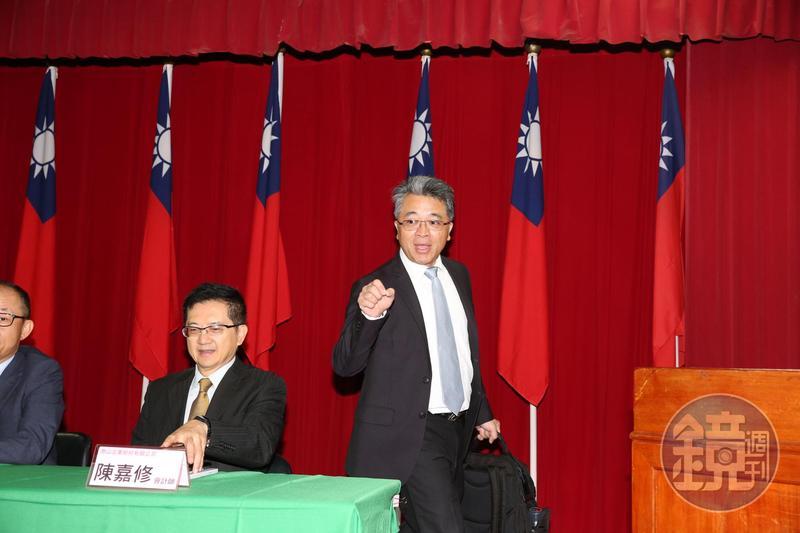 泰山再爆經營權之爭,讓董座詹逸宏陷入危機。