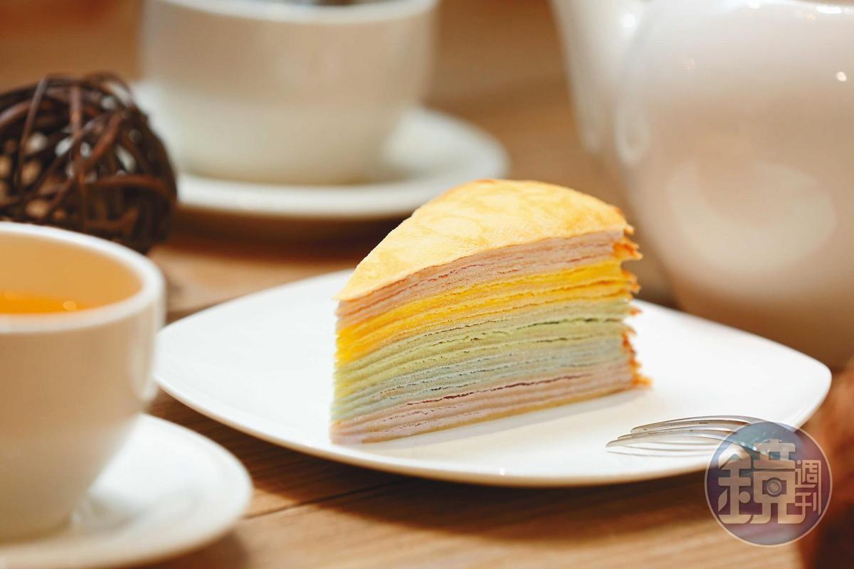 蜂蜜彩虹千層以天然食用色素為原料,粉嫩色系剖面超吸睛。(75元/片、750元/8吋,網路價850元/8吋)