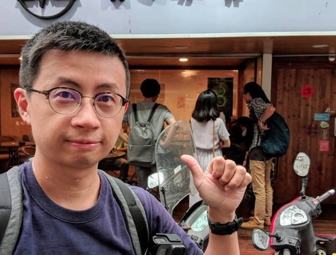 台北市議員兼網紅「呱吉」邱威傑,昨(28日)在臉書自爆曾被強暴。(翻攝自呱吉臉書)