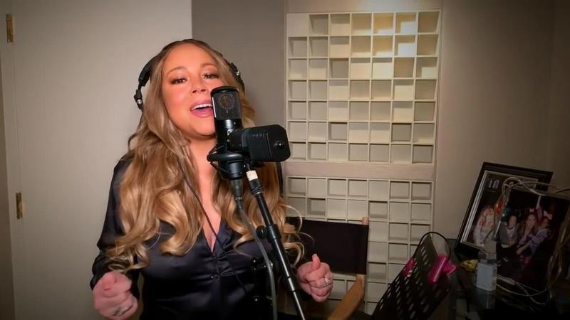 瑪麗亞凱莉為公益演唱1996年冠軍單曲〈Always Be My Baby〉,最後還飆了一段海豚音。(翻攝自Mariah Carey Youtube頻道)
