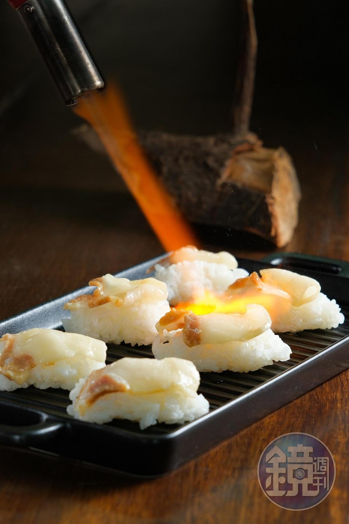 將傳統醃豬肉加以改良為「炙燒Silaw」。(500元套餐菜色)