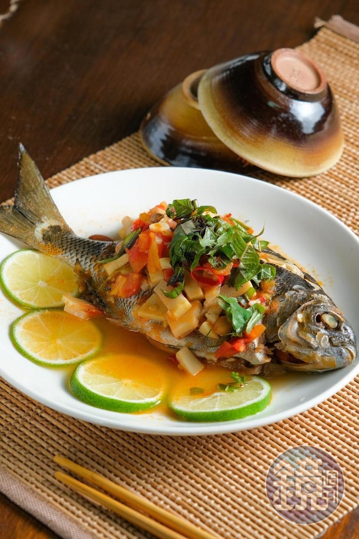 「Fukah魚」使用阿美族常吃的醃筍做為調味。(500元套餐菜色)