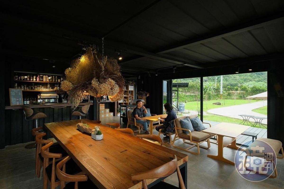 原本是主人的招待所,後來開放為「禾多小酒館」。