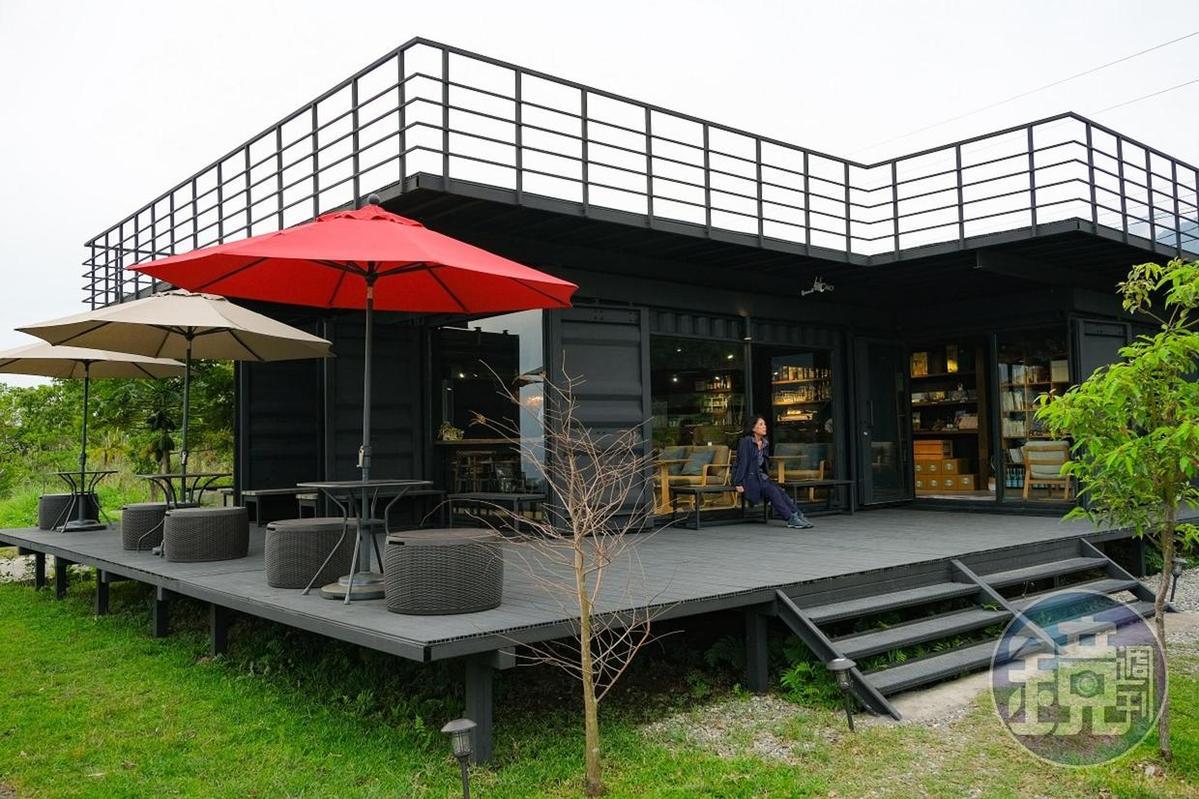 本身喜歡建築設計的阿翔,親手打造「禾多小酒館」。