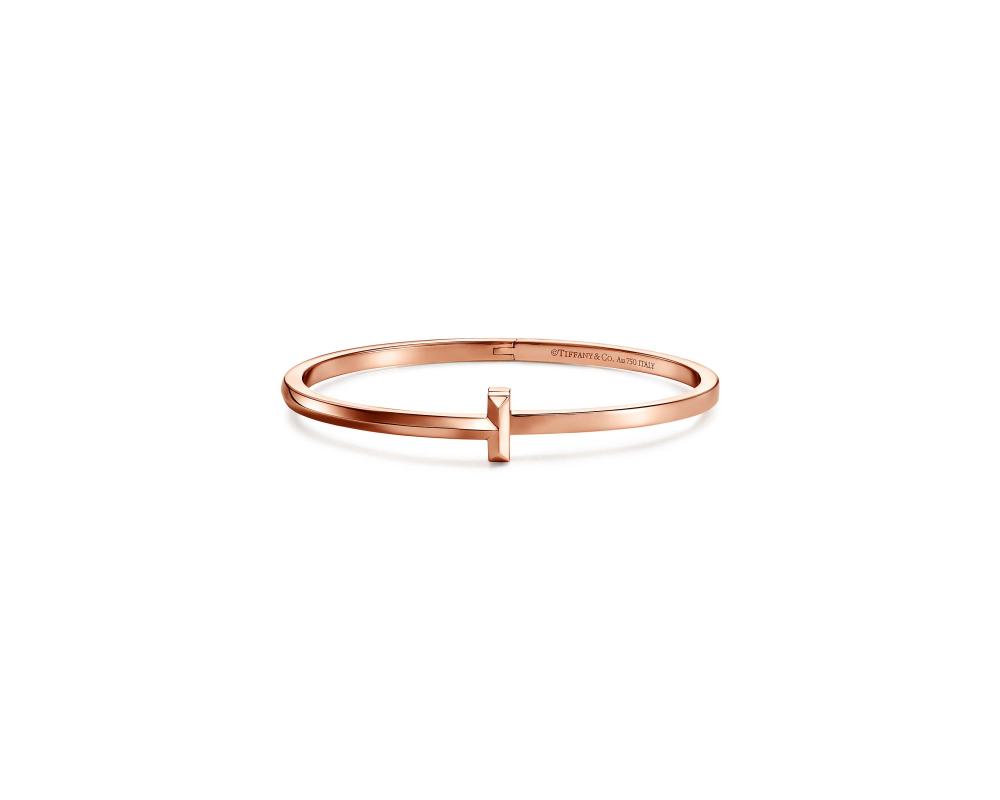 Tiffany T1 18K玫瑰金窄版手環。NT$113,000(Tiffany & Co. 提供)