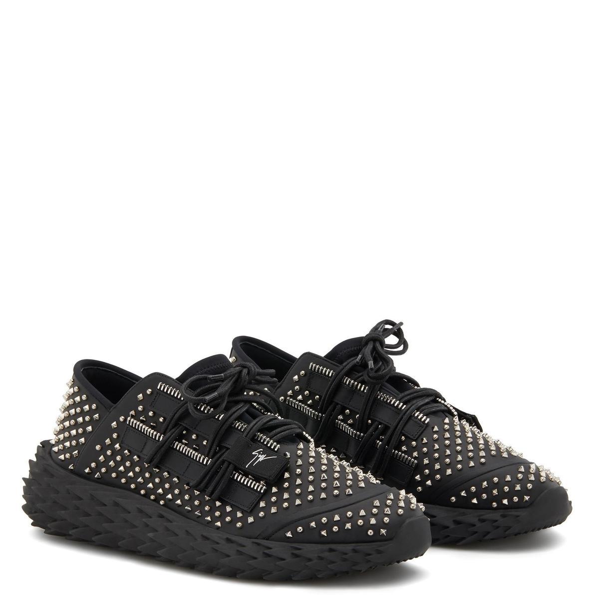 黑色鉚釘Urchin休閒鞋 價格店洽 GIUSEPPE ZANOTTI。(GIUSEPPE ZANOTTI提供)