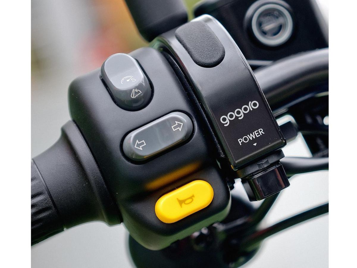Gogoro VIVA Plus 增加隨插即用的「把手 USB 充電插孔」