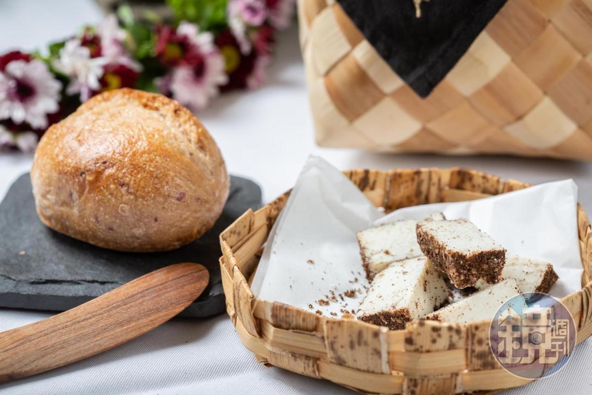由「慢慢弄乳酪坊」製作加入鹽膚木的乳酪,帶有微酸的鹹香。