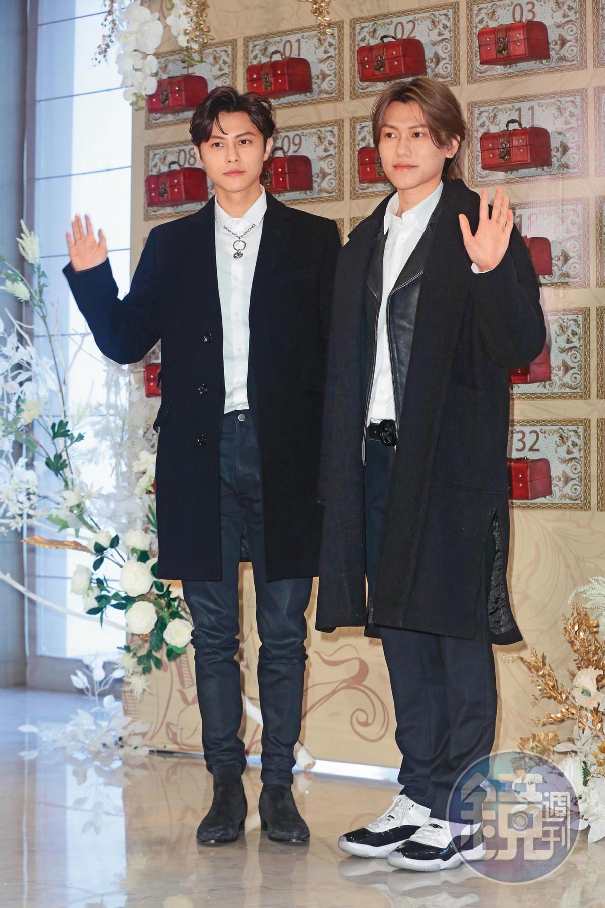 當初邱宇辰(右)和哥哥王子(左)一同從選秀節目出道,2人各擁一片天。