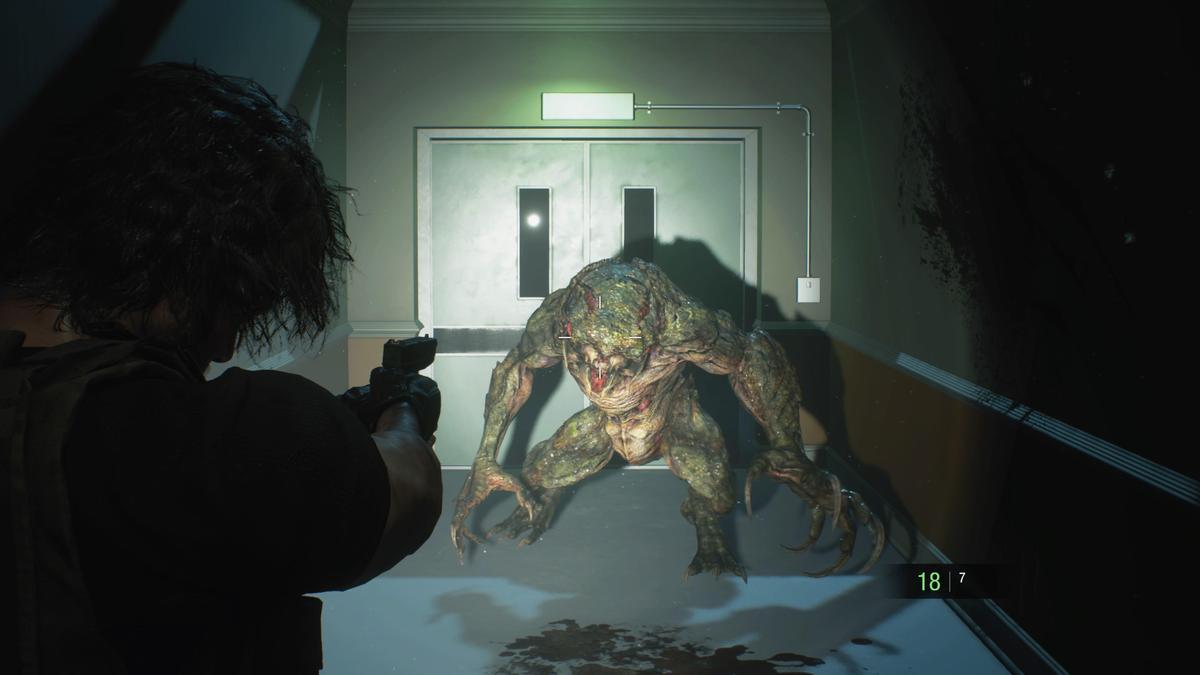和舊作一樣非常難纏的生物兵器「獵人β」。(圖片來源:遊戲實機截圖)