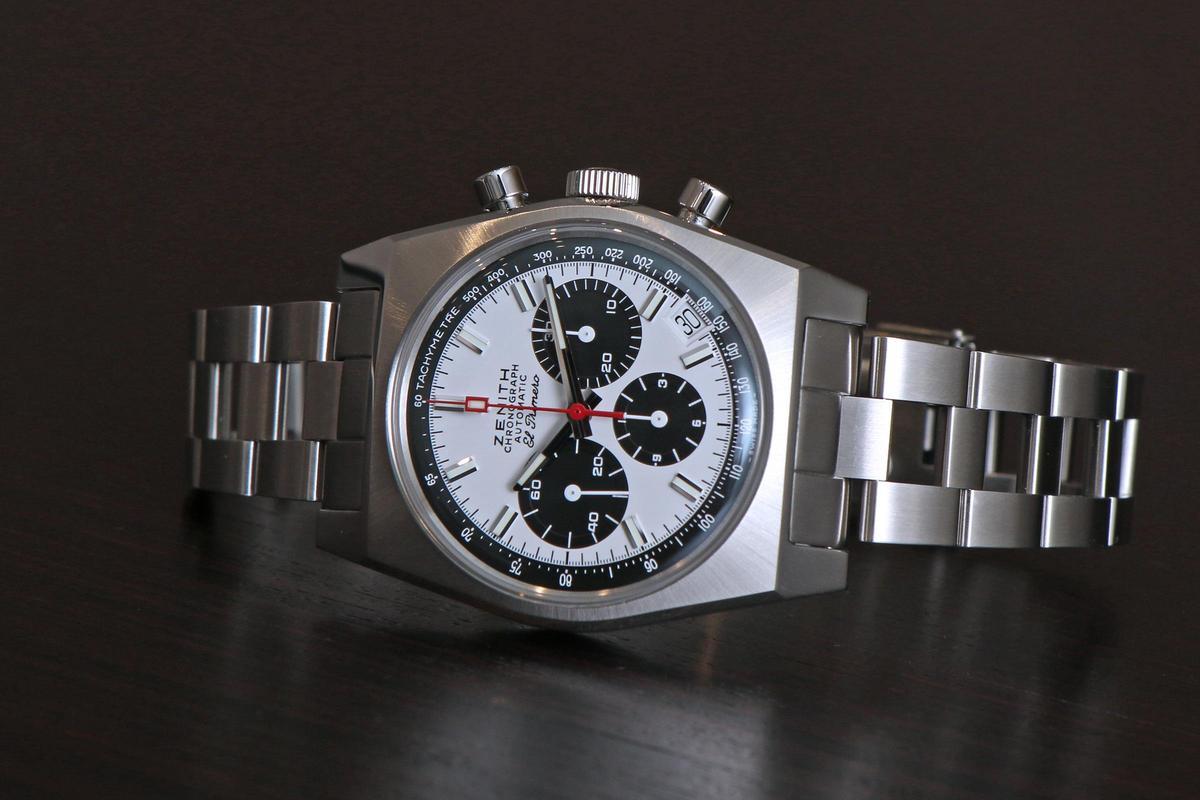 ZENITH在今年為A384 REVIVAL復刻版腕錶加入鏈帶的配置,而且鏈帶造型重現1969年的設計,相當考究。