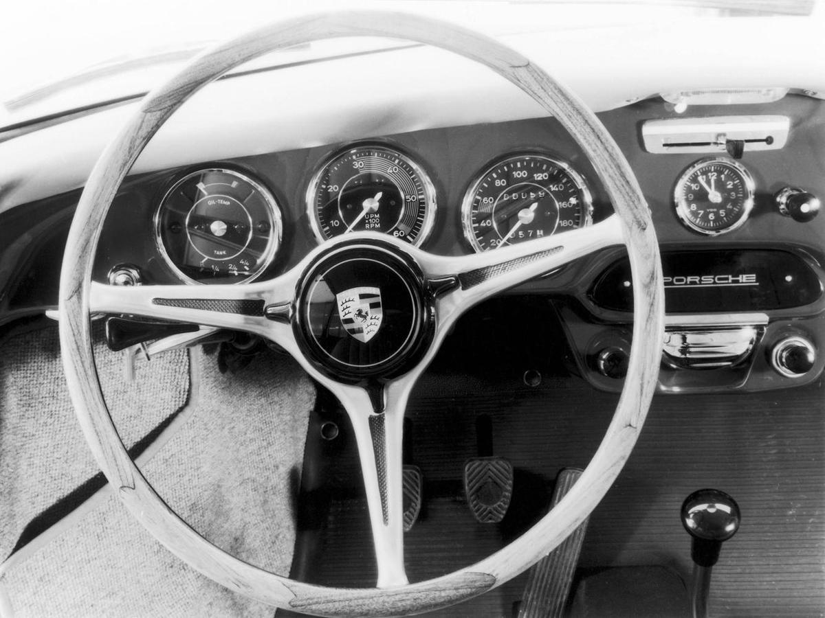 1964年Porsche 356 C方向盤。