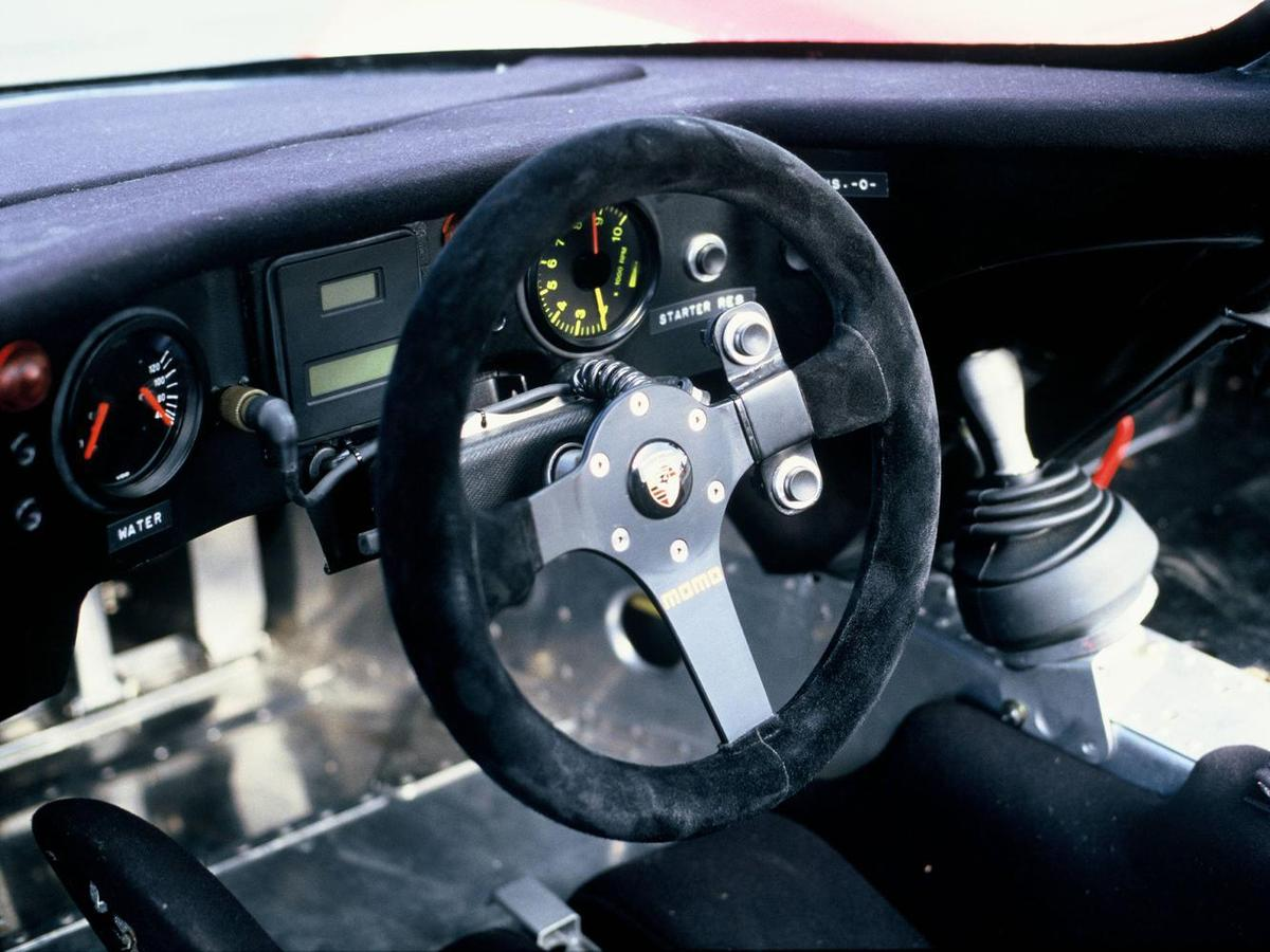 1986年Porsche 962方向盤。