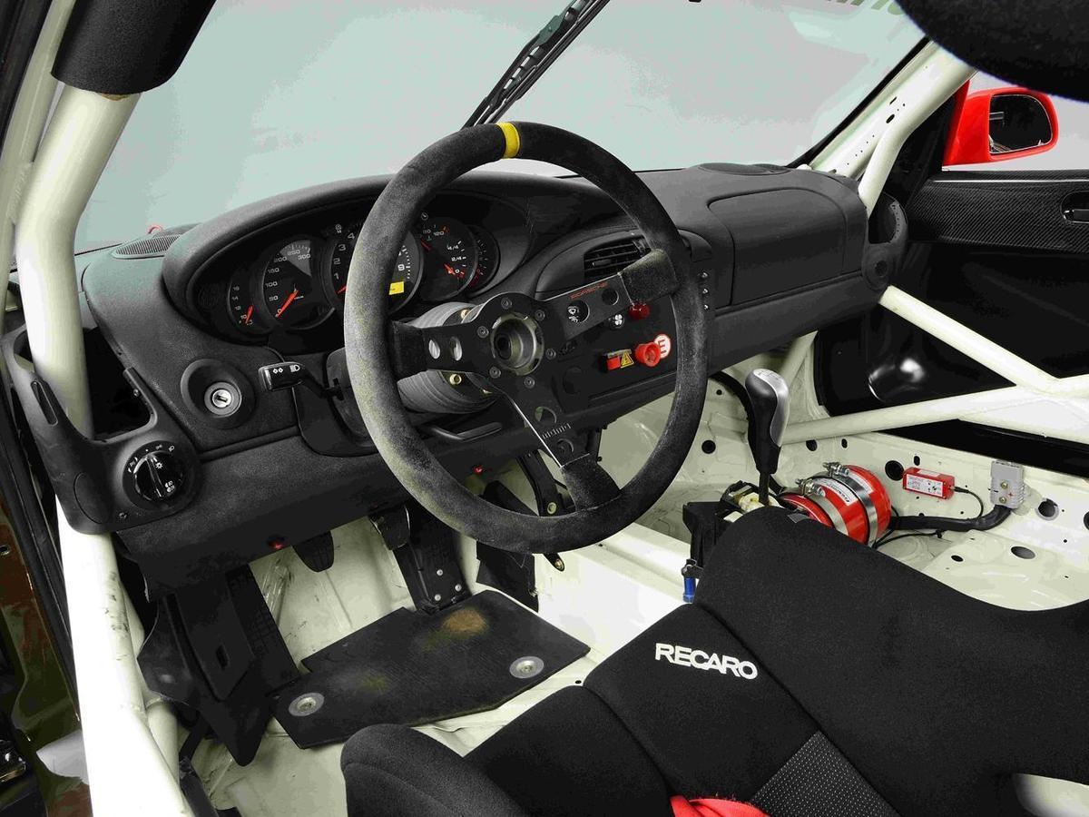 2000年Porsche 911 GT3 Cup(996)方向盤。