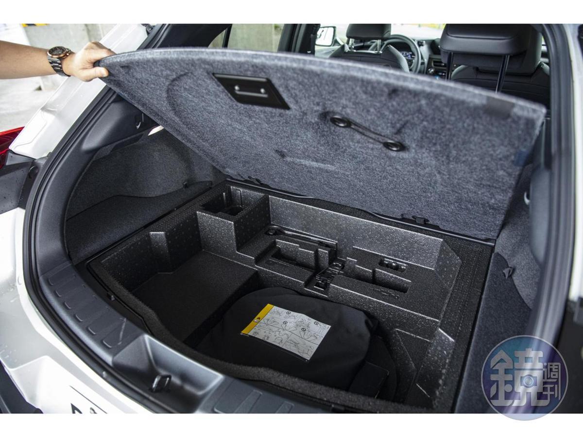 採用施壓續跑胎後,原本的備胎位置則成為額外收納空間。