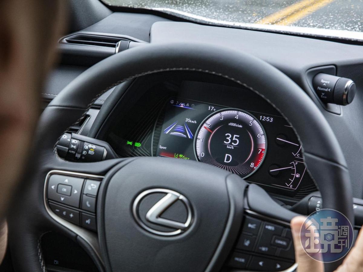 新增Lexus Safety System+ 2.0 駕駛輔助系統,具備部分Level 2自駕能力。
