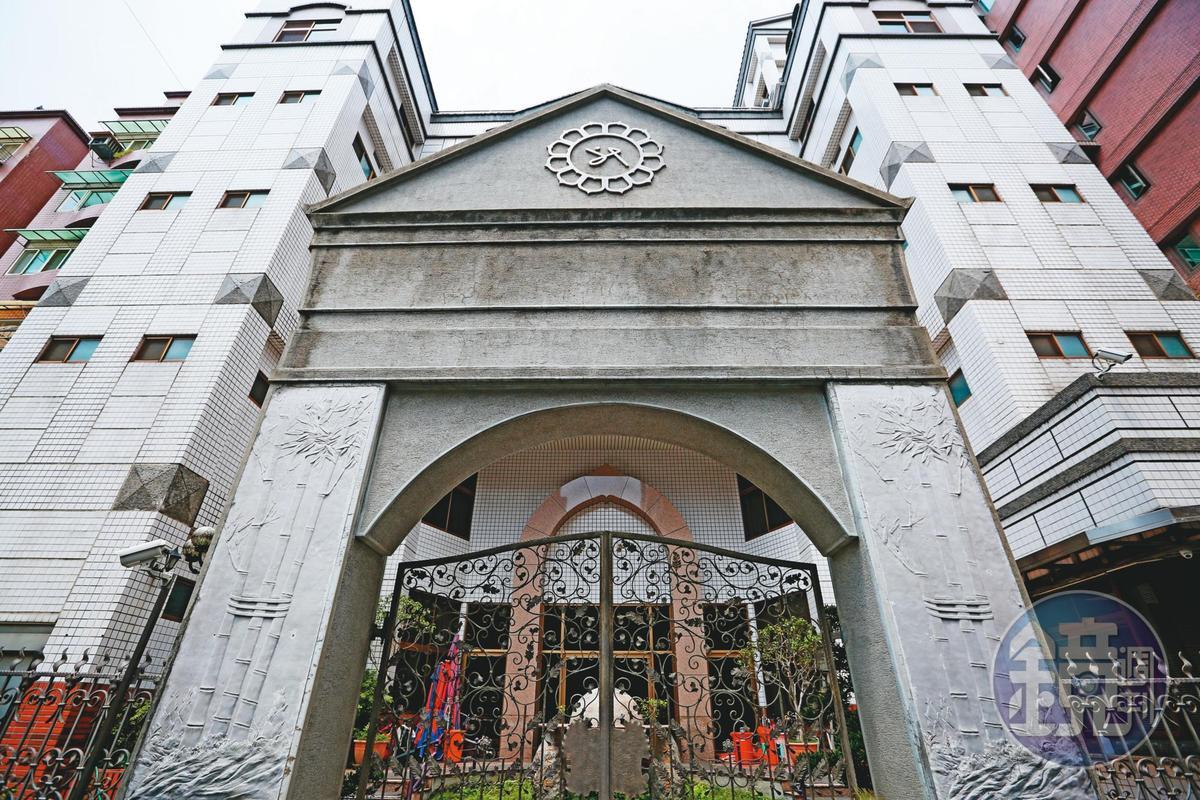 少龍的華興靈修中心在北、中、南各有道場,圖為台北道場。