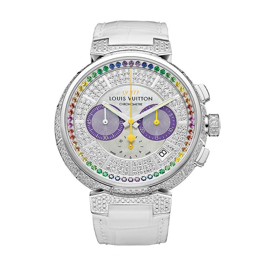 Tambour LV277計時碼錶|錶徑41.5mm、18K白金材質、時間及日期指示、計時碼錶功能、LV 277自動上鏈機芯、鑲嵌554顆鑽石與58顆藍寶石(總重約5克拉)、防水100米