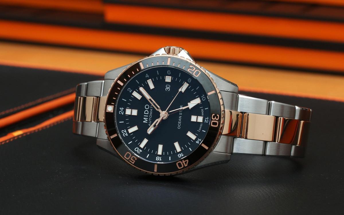美度這兩年最夯的Ocean Star海洋之星系列,今年新增加了GMT兩地時間,而且重點是價格與三針的版本相去不遠,像是這款PVD半金的版本,定價NT$43,500,相當超值!