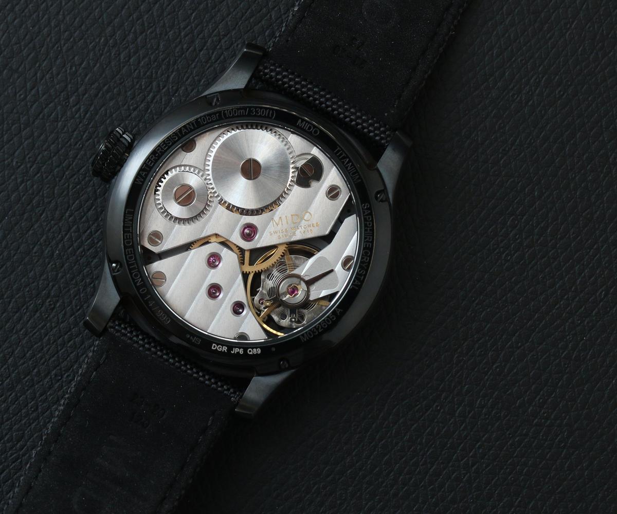 6498手上鏈機芯是以6497小改而來,6497是著名的手上鏈機芯,最初為懷錶所設計,後來則搭上大錶風潮而流行。