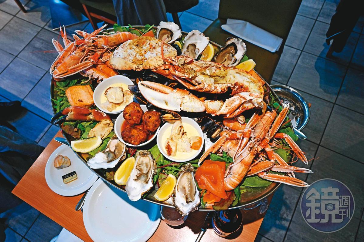 在歐洲吃海鮮,個人偏好點海鮮盤,往往2個人會點到令隔壁桌都側目的4人份,吃個天翻地覆。