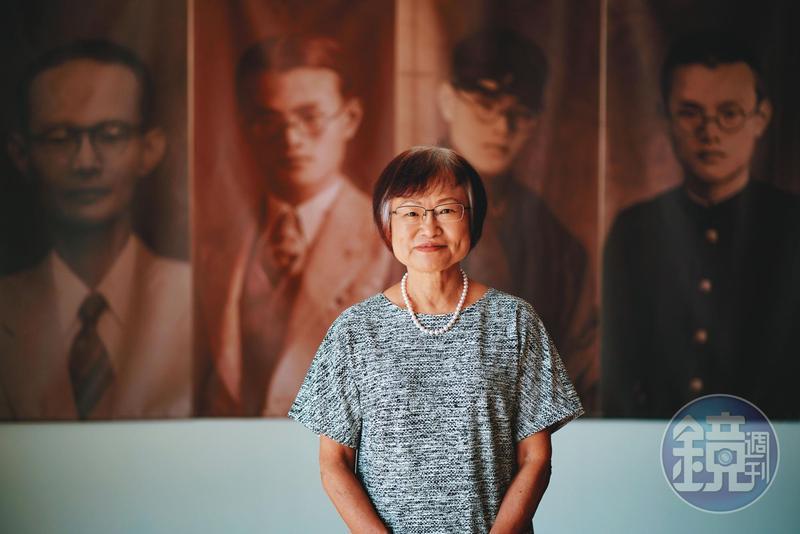 李雅容與丈夫經營的語文中心如同畫廊,為保存父親的遺物,特別設了一間小展覽館,她說家族中自己的臉最像父親,寫作嚴謹的個性也像父親。