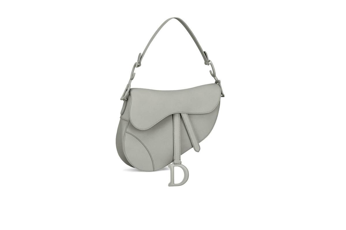石灰色小牛皮馬鞍包 NT$115,000。(Dior提供)