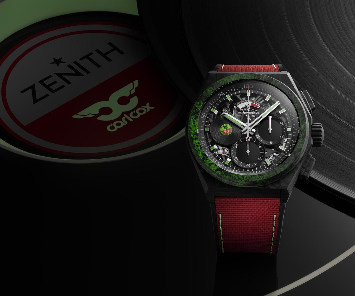 DEFY 21 Carl Cox腕錶在碳纖維錶殼上加入點點夜光,而錶帶縫線也有夜光效果,用這些獨特的表現方式來詮釋DJ Carl Cox的特色。全球限量200只,定價NT$626,000。