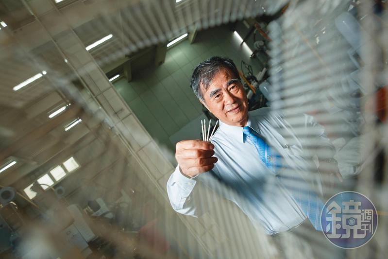 許溫德發明的牙籤刷年產量逾10億支,除了台灣,也外銷至歐美、中東等地,是台灣隱形冠軍之一。