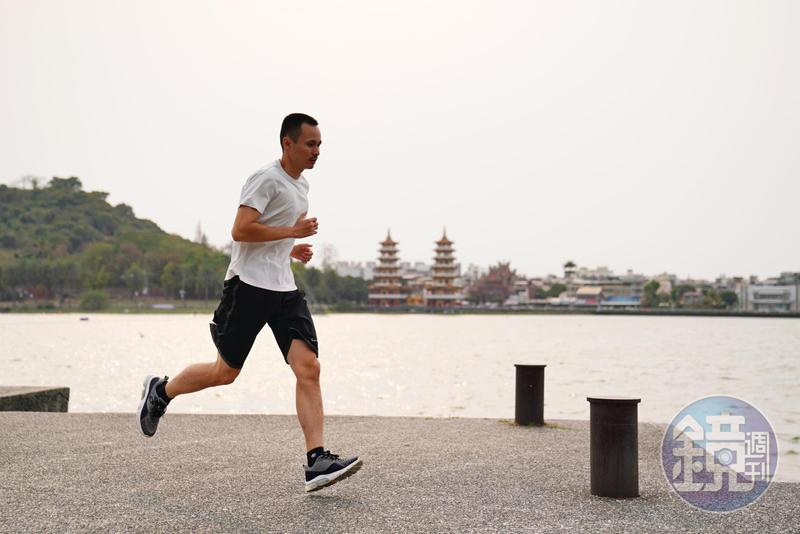 透過每天跑步,阿勳不僅培養耐力,也鍛鍊自己遵循投資紀律。