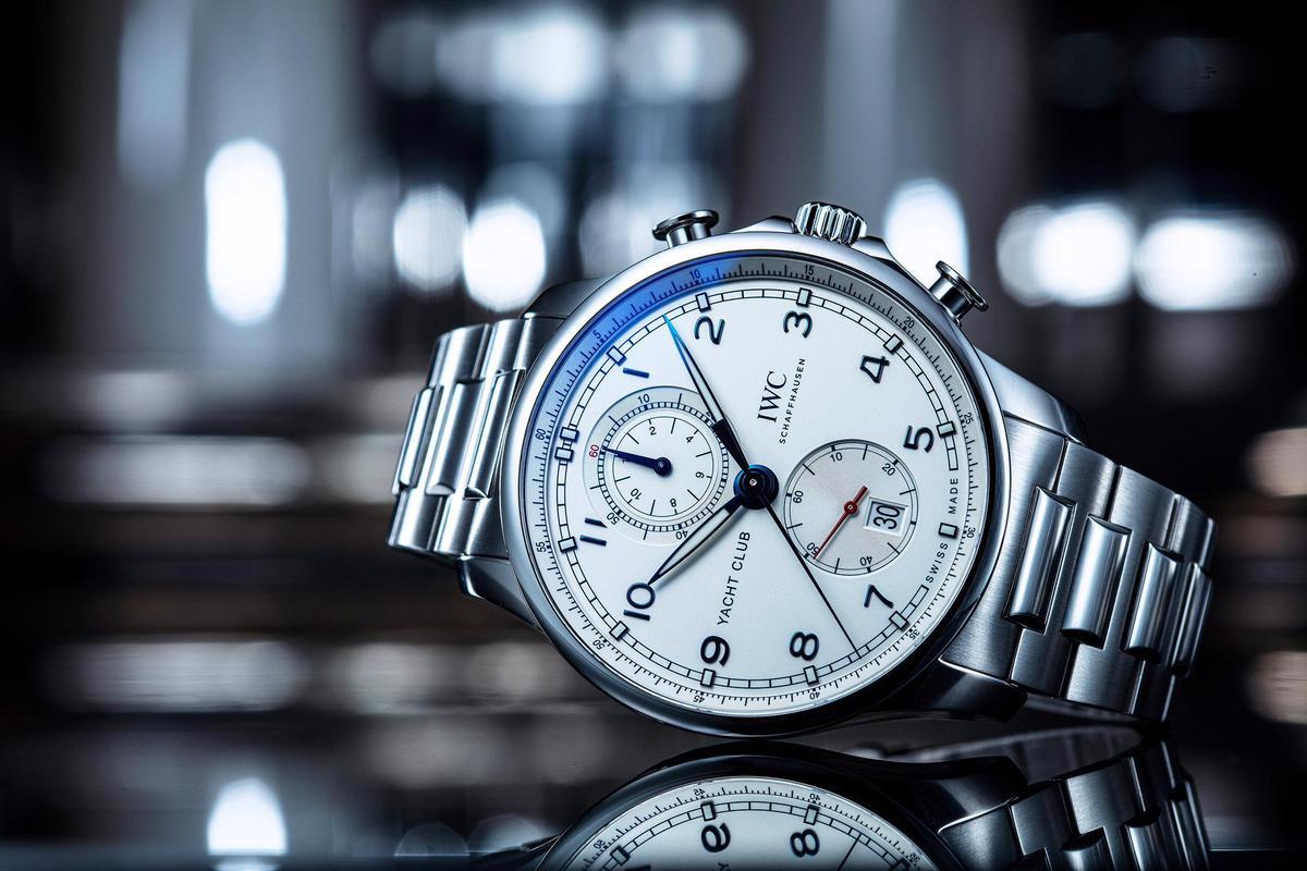 葡萄牙系列中首度配置不鏽鋼鏈帶的航海精英計時碼錶(型號IW3907),定價NT$423,000。